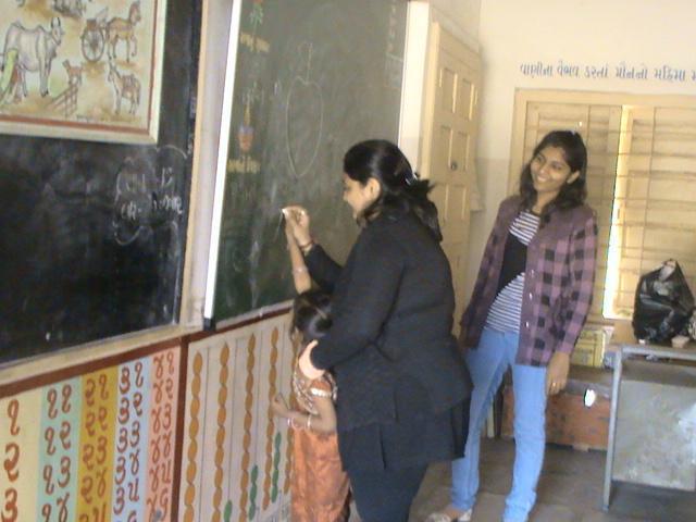 Charity-at-Municipal-school1